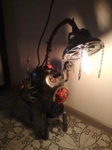 светильник с лампой эдисона с колесом от дрели